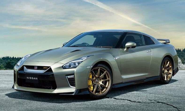 Nissan-GT-R_T-spec-2022-