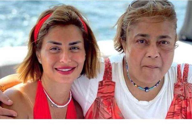 منة فضالي و والدتها